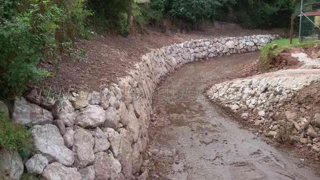 Construcción de escollera de protección del río Mortera en Coo. Los Corrales de Buelna