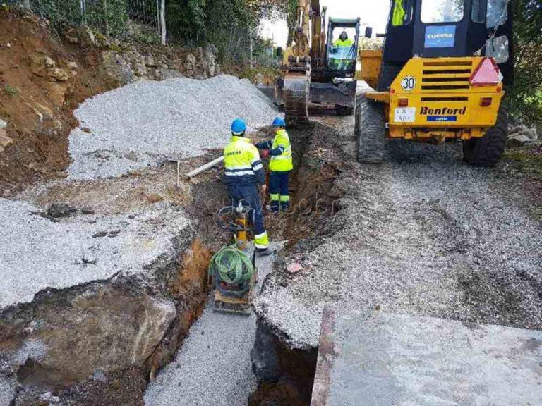 Obra De Saneamiento Y Asfaltado De Carretera En Isla Cantabria (1) cantabria