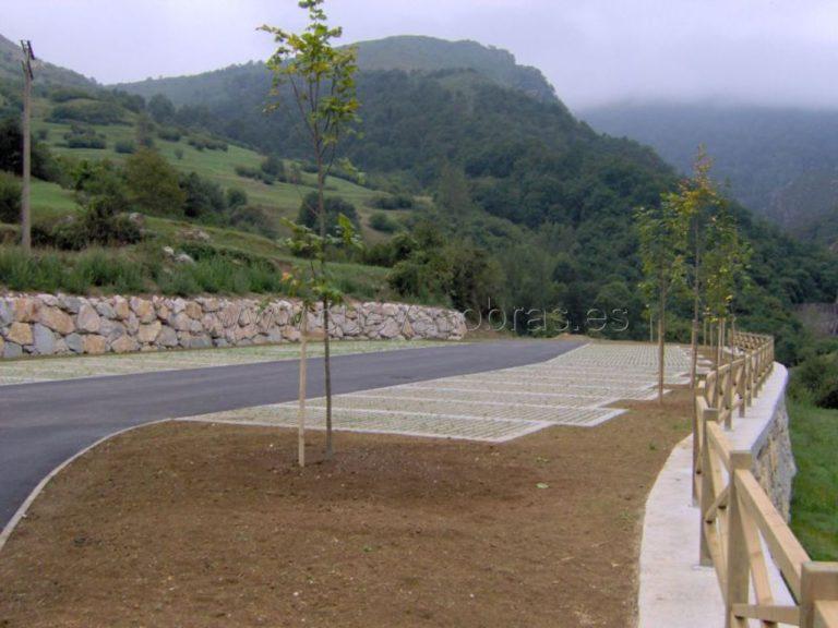 Ejecución de aparcamiento en Tudanca