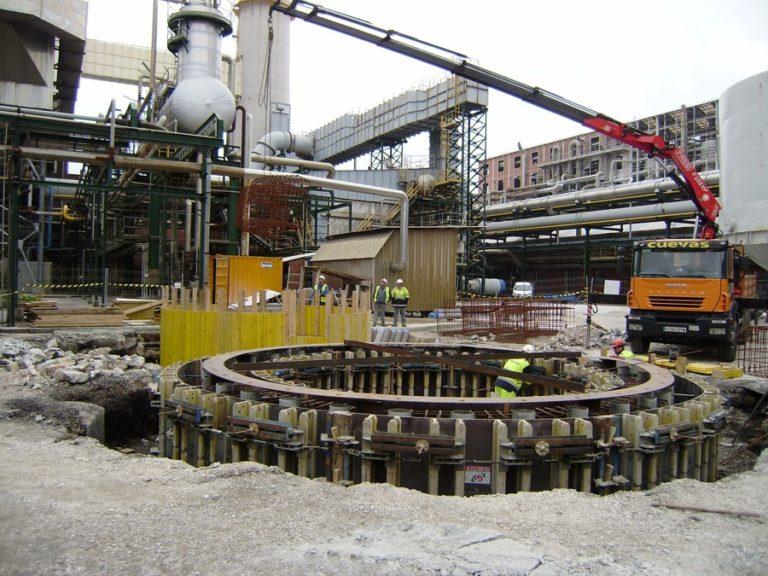Construcción de las fundaciones para el edificio de sólidos en la fábrica de Barreda de SOLVAY