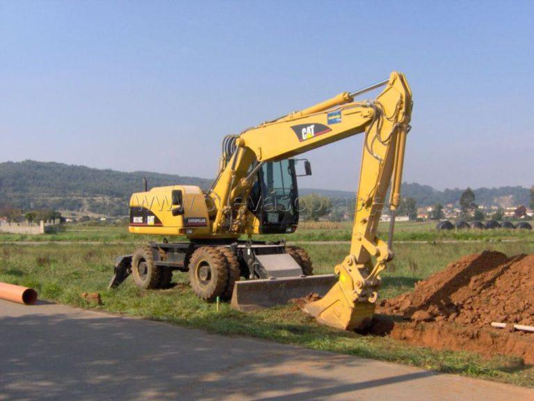 Construcción del sistema de colectores de saneamiento en Camargo