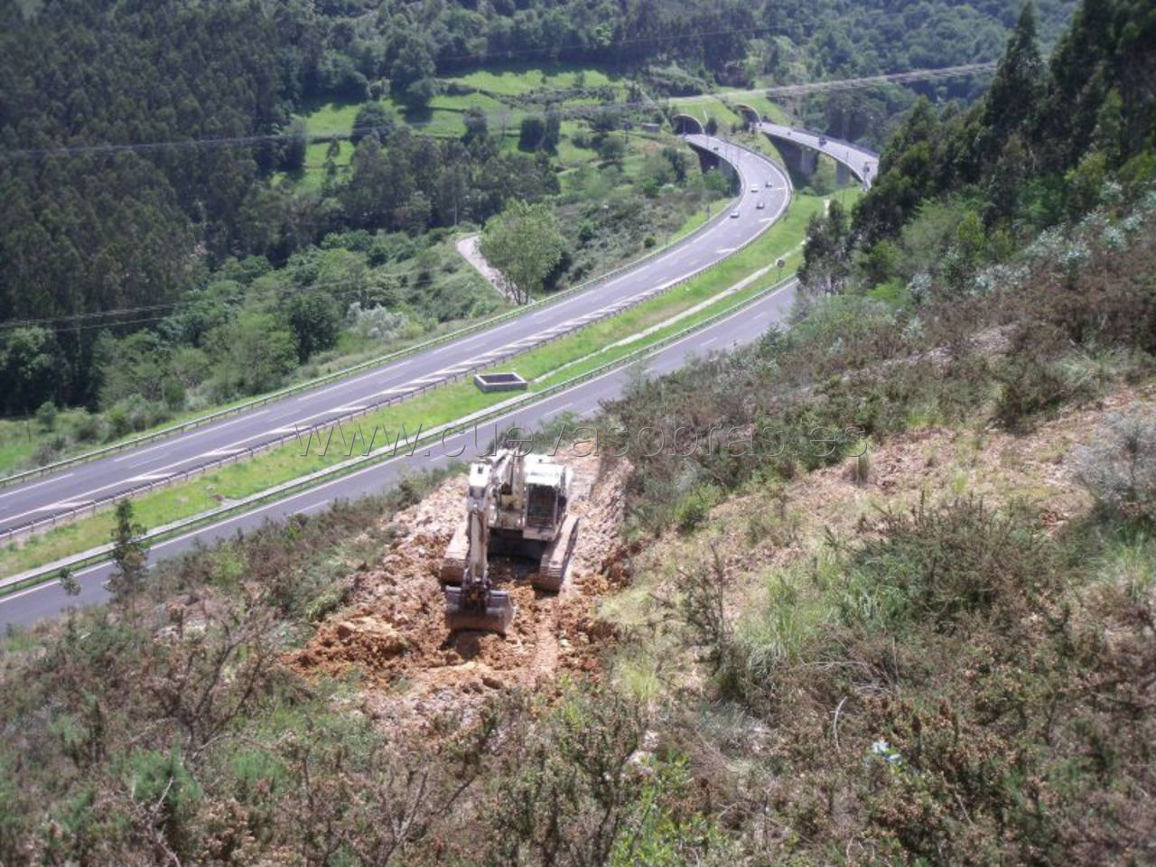Retirada de argayo en Riocorvo, Cantabria