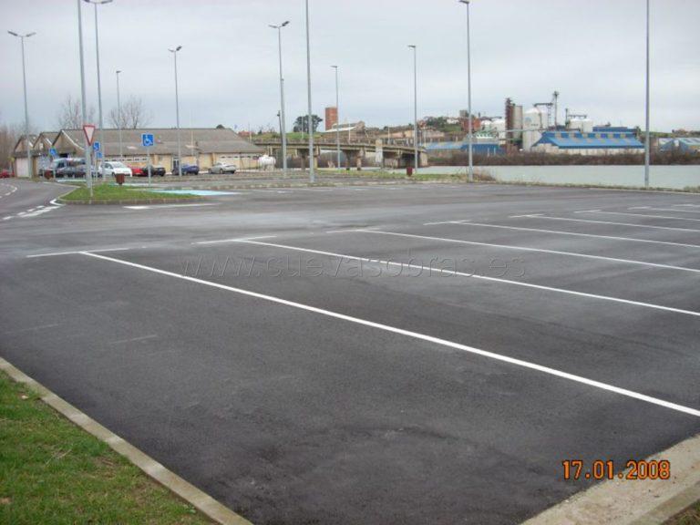 Acondicionamiento de parcela junto al frente marítimo para aparcamiento de autobuses en Astillero