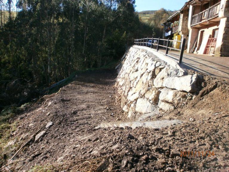 Construcción de muro de escollera en El Tojo. Ayuntamiento de Los Tojos