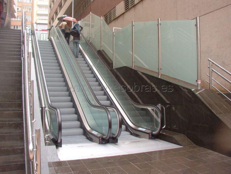 Instalación de cuatro escaleras mecánicas en la calle Alceda en Santander