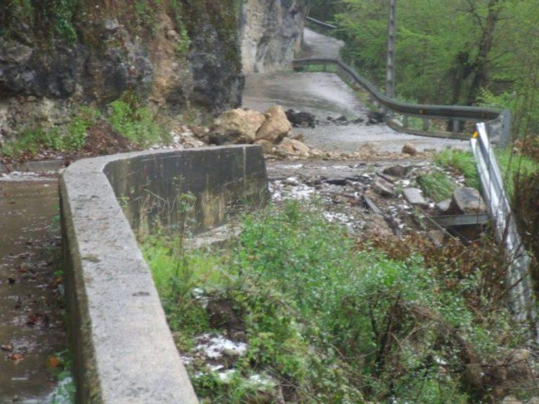 Reparación de carretera en San Pedro de Rodaguera
