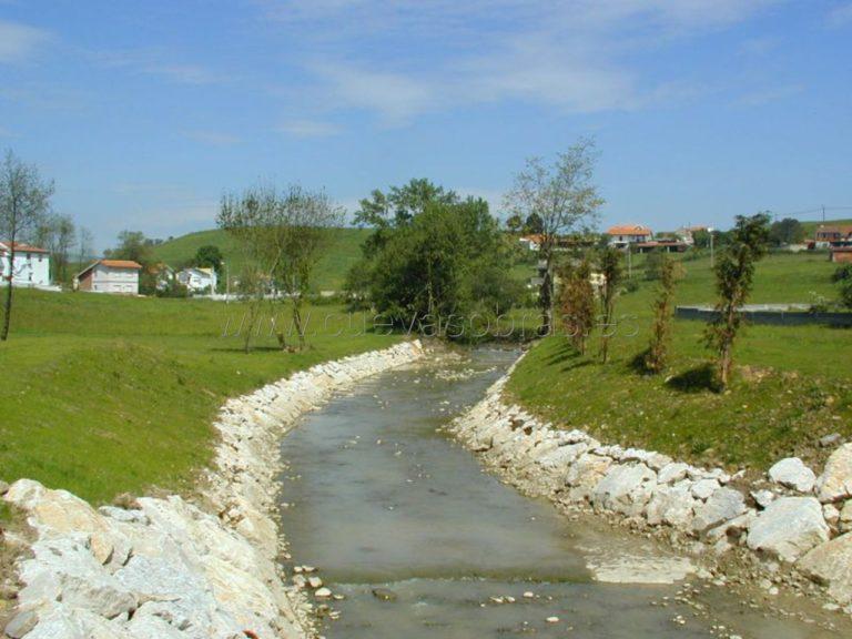 Obra de emergencia para la rehabilitación del dominio público hidráulico y recuperación de las condiciones hidráulicas y sanitarias en corrientes fluviales y sistemas de las cuencas de los ríos: Asón