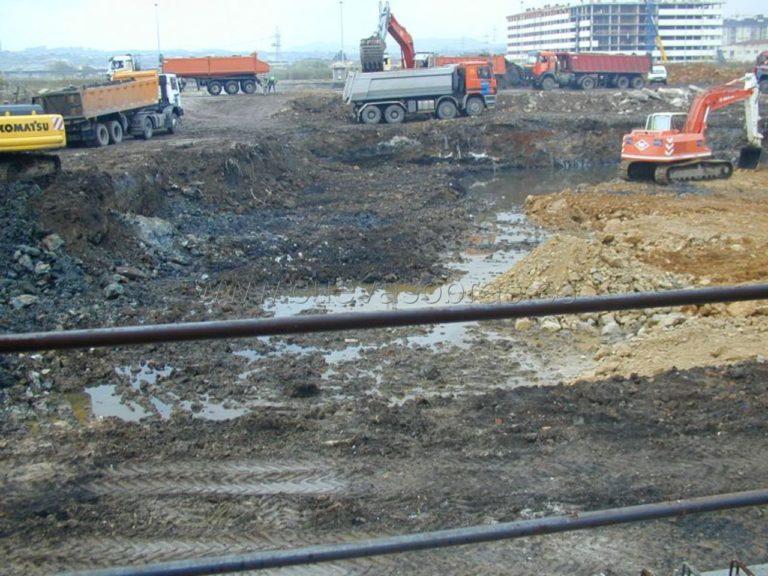 Excavación para la construcción de viviendas en la zona de Nueva Montaña