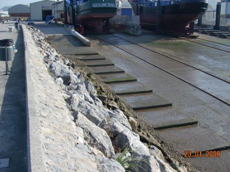 Reparación de rampa y ejecución de escaleras en el Puerto de Colindres