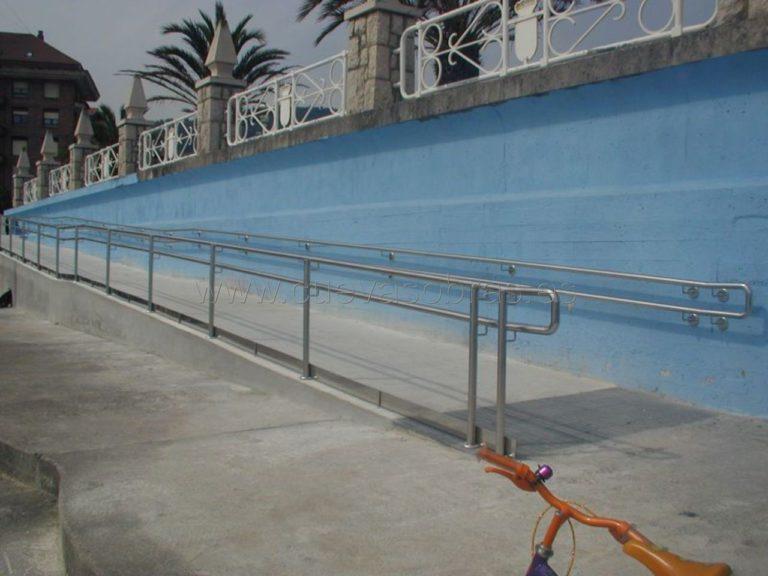 Ejecución de rampa de acceso a la playa en Castro Urdiales