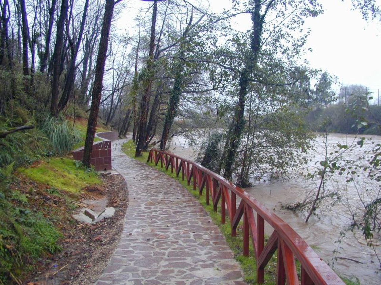 Construcción de sendas fluviales en Cantabria