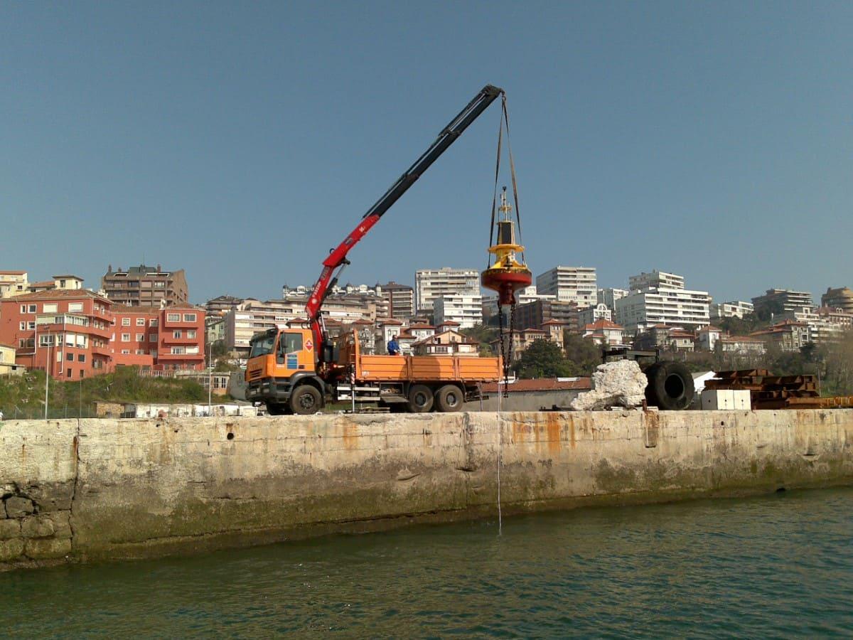Cómo se alquila un camión grúa en Cantabria